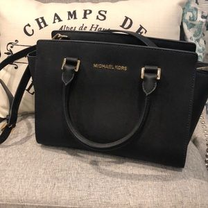 *Offers Welcome* 👜 Black Michael Kors Purse